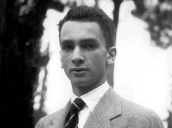 Fotografato a Roma, 1940.
