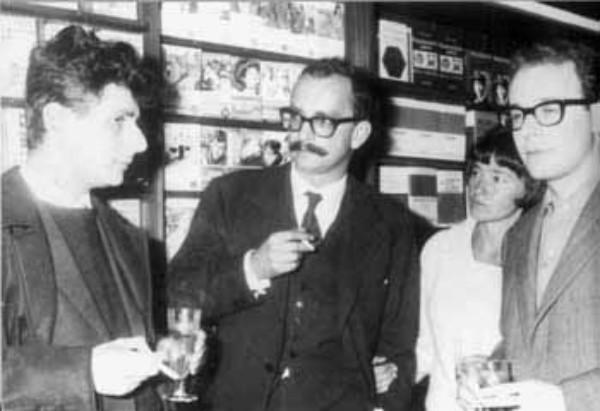 La reinaugurazione della libreria Feltrinelli di Pisa, che fu la prima ad aprire nel 1957.