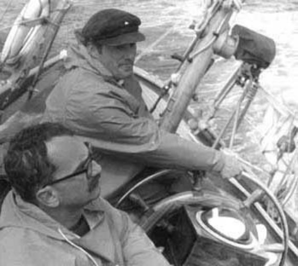 Con lo skipper Biagio Sabatini, marinaio di Porto Ercole, sulla Eskimosa, barca di sedici metri, con la quale esplorarono i fiordi norvegesi.